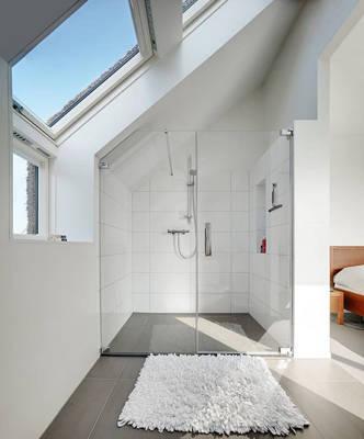 Łazienka na poddaszu - z oknem czy bez